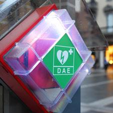 Des défibrillateurs obligatoires dans les Établissements recevant du public